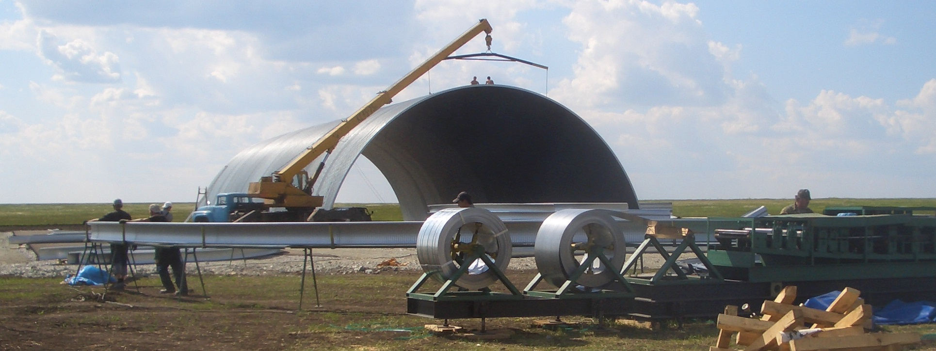 Строительство бескаркасного арочного ангара